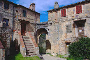The original portal of Castello di Tocchi
